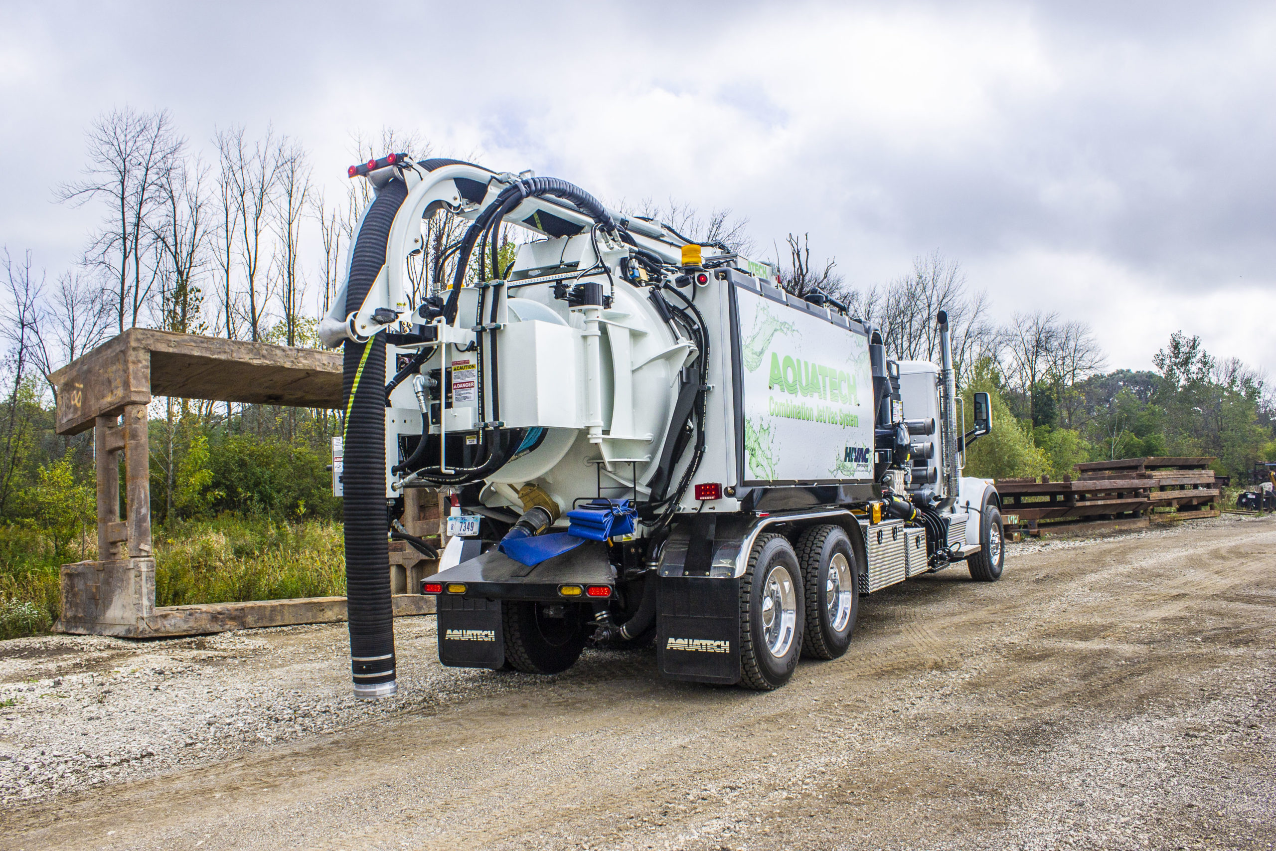 Aquatech B-10 combo sewer cleaner truck